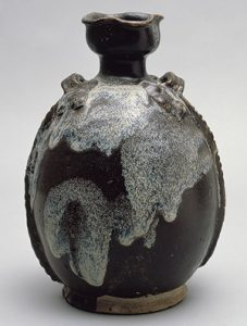 Glazed Tang Dynasty flask / metmuseum.org